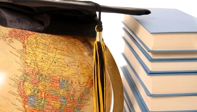 Estudiar en el extranjero se puede hacer gracias a las Becas Chile