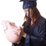 Puedes combinar tu credito con becas para solventar tus estudios