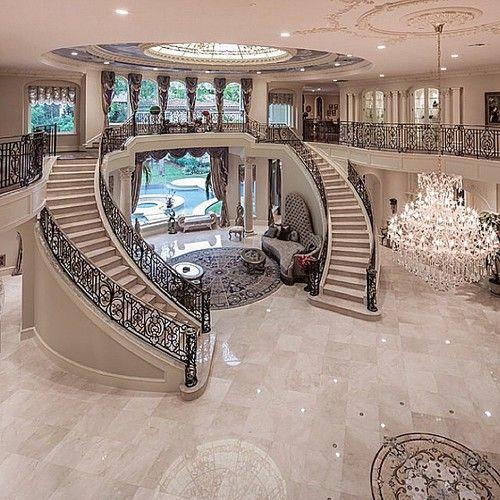 M s de 20 fotos de casas de lujo el blog de opcionis en for Escaleras de casas de lujo